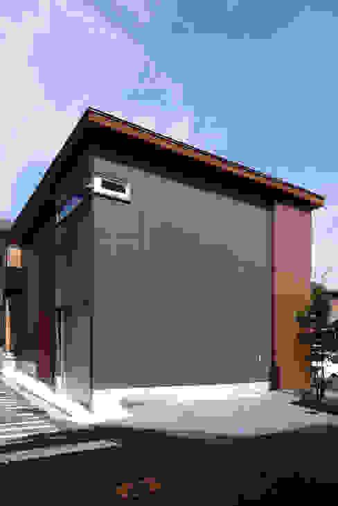 木町の家: アトリエ イデ 一級建築士事務所が手掛けた家です。,モダン