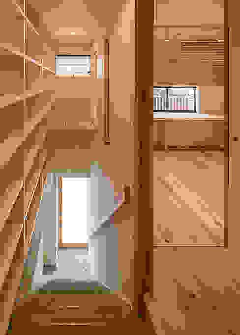 2階 土間玄関 オリジナルスタイルの 玄関&廊下&階段 の 河合建築デザイン事務所 オリジナル