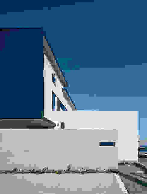 エクステリア外観: ISDアーキテクト/一級建築士事務所が手掛けた家です。,モダン アルミニウム/亜鉛