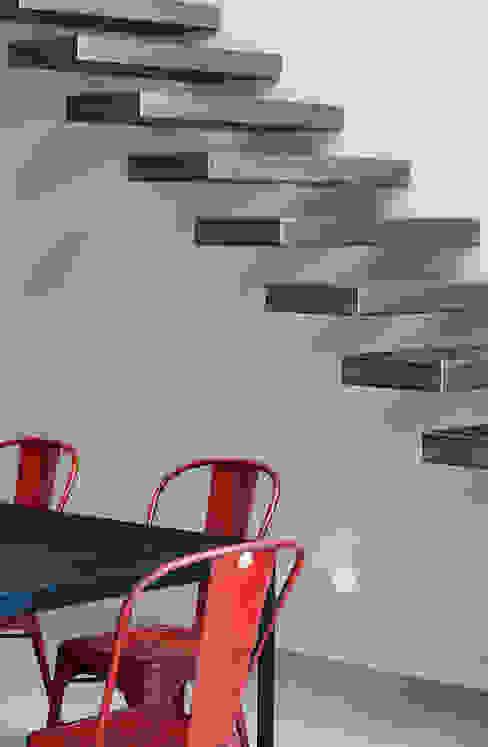 Projekty,  Korytarz, przedpokój zaprojektowane przez Lautrefabrique , Nowoczesny