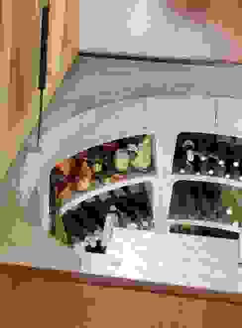 Wine cellars aren't just for storing wine homify Cave à vin moderne