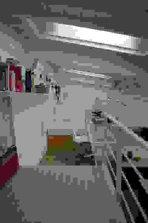 Modern study/office by studio di Architettura Della Bona & Fiorentini Modern