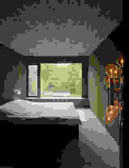 Eklektyczna sypialnia od :mlzd Eklektyczny