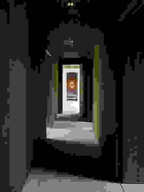 Korridor Obergeschoss Ausgefallener Flur, Diele & Treppenhaus von :mlzd Ausgefallen