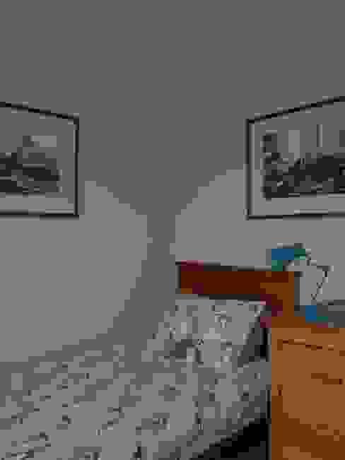 Boys' Bedroom Modern nursery/kids room by Natalie Davies Interior Design Modern