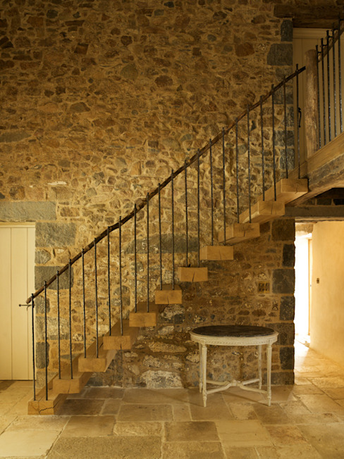 Les Prevosts Farm Rustic style corridor, hallway & stairs by CCD Architects Rustic