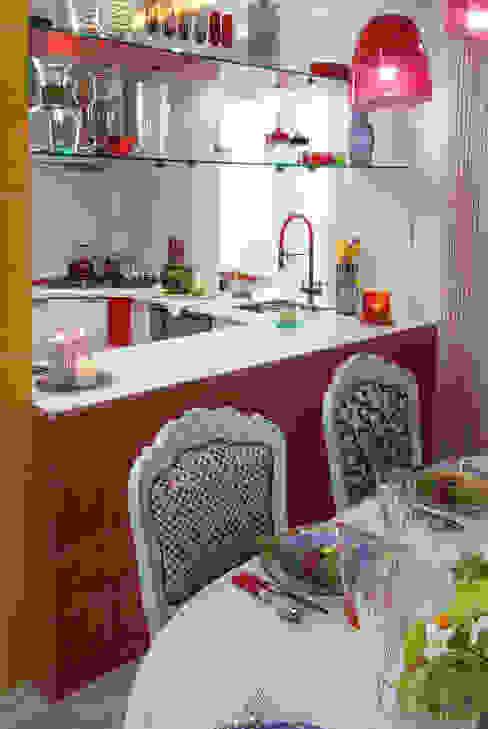 Дачный авангард Кухни в эклектичном стиле от Bureau GN Эклектичный