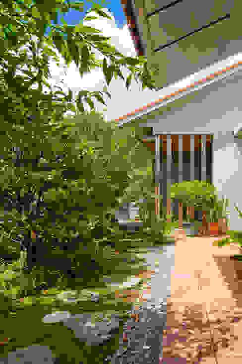 株式会社 東設計工房 Mediterranean style garden