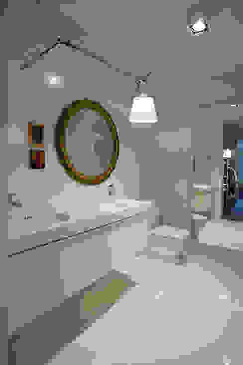 DOM W POZNANIU Eklektyczna łazienka od oyster Eklektyczny