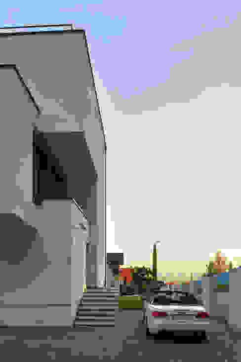 Moderne huizen van RS+ Robert Skitek Modern