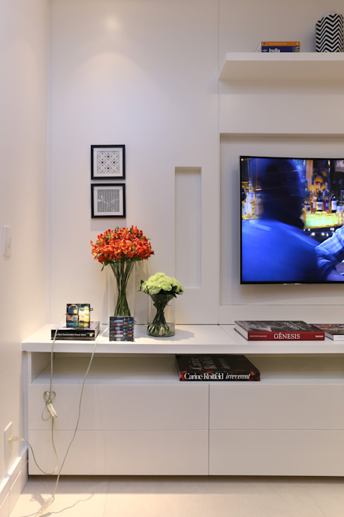 Apartamento M|R Salas de estar modernas por Now Arquitetura e Interiores Moderno