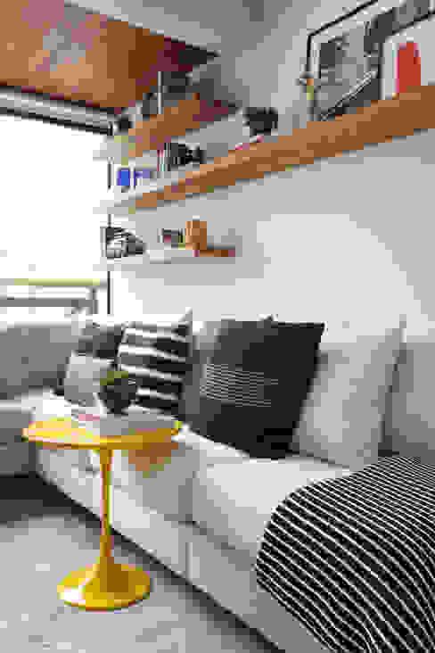 Ruang Keluarga Modern Oleh Now Arquitetura e Interiores Modern