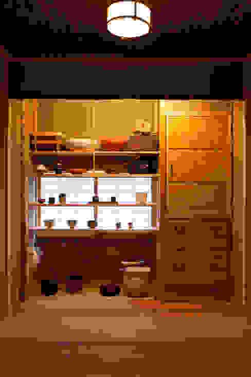 水屋: 一級建築士事務所  M工房が手掛けたキッチンです。,クラシック