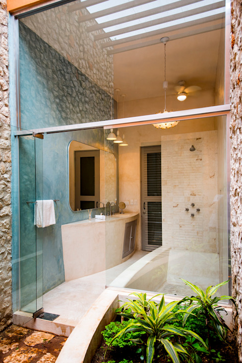Colonial style bathroom by Taller Estilo Arquitectura Colonial