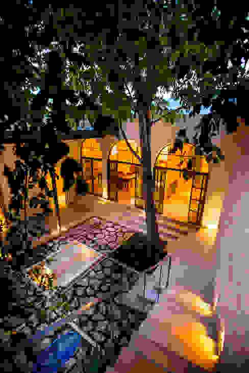 Jardines coloniales de Taller Estilo Arquitectura Colonial