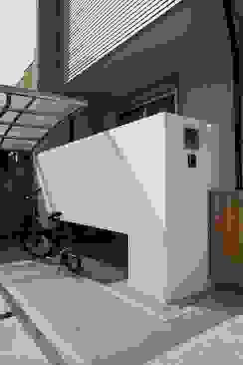 塀: 加藤一高建築設計事務所が手掛けた家です。,和風