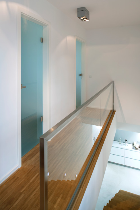 Modernes Einfamilienhaus in Essen Moderner Flur, Diele & Treppenhaus von Stockhausen Fotodesign Modern