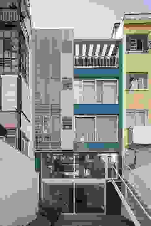 منازل تنفيذ João Tiago Aguiar, arquitectos, تبسيطي