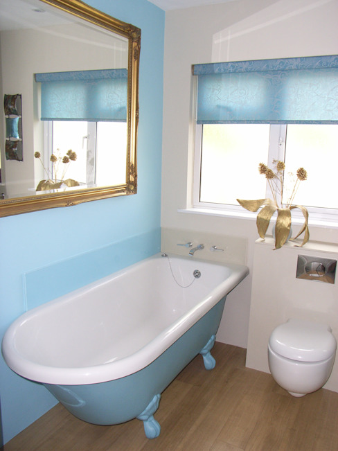blue bathroom Style Within Baños de estilo moderno