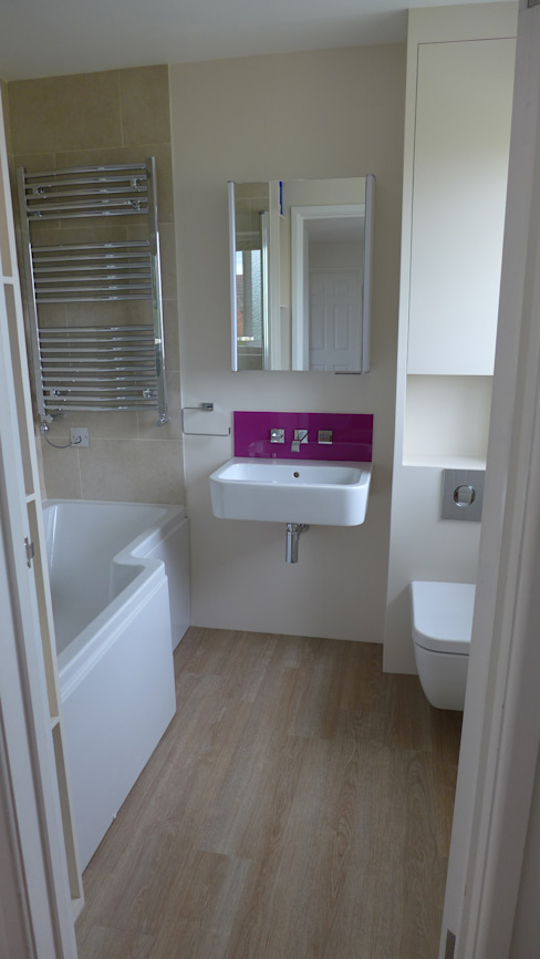 Shower bath and wall-mounted suite. Modern bathroom by Style Within Modern