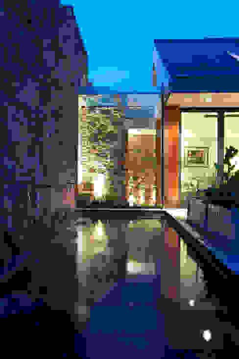 Maison Frie au Four Casas modernas: Ideas, imágenes y decoración de CCD Architects Moderno