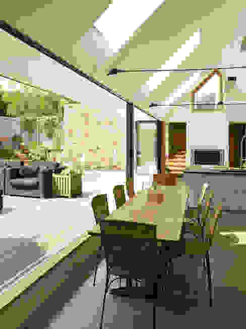 Maison Frie au Four Cocinas modernas: Ideas, imágenes y decoración de CCD Architects Moderno