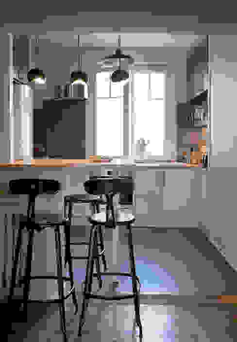 Appartement à Colombes Cuisine moderne par ATELIER 105 - Carthagéna Virginie Moderne