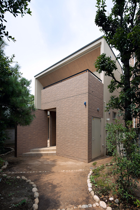 アプローチ側からの外観 モダンな 家 の シーズ・アーキスタディオ建築設計室 モダン