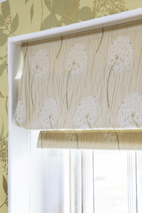Roman Blind Classic style bathroom by Workshop Interiors Classic