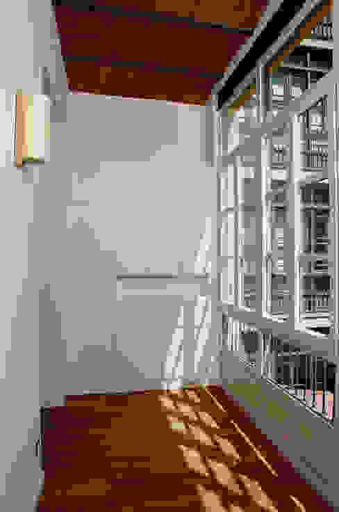 4+1 arquitectes Modern study/office