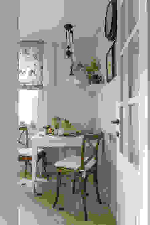 Квартира 61м2: Кухни в . Автор – Tatiana Ivanova Design, Классический