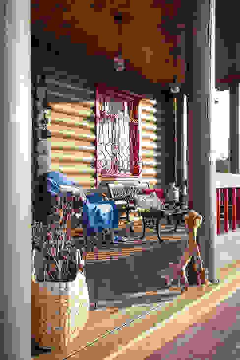 Landelijke balkons, veranda's en terrassen van Tatiana Ivanova Design Landelijk
