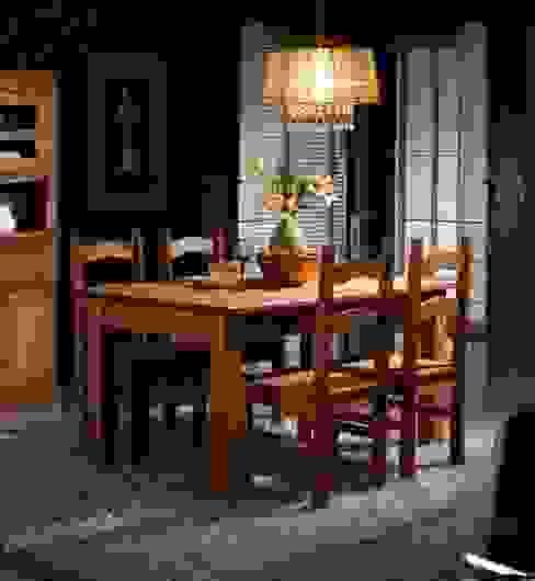 Salones rústicos de pino Muebles Morte, S.L. ComedorMesas