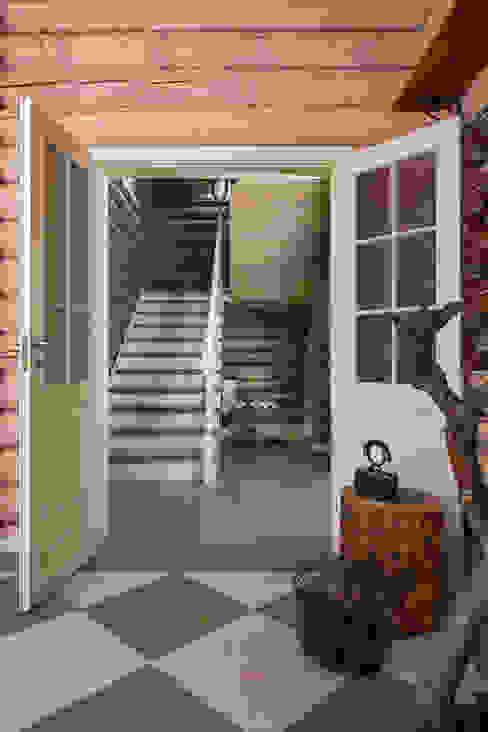 Landelijke gangen, hallen & trappenhuizen van Tatiana Ivanova Design Landelijk