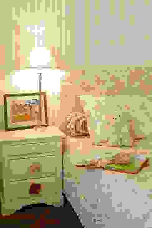 Nursery/kid's room by Tatiana Ivanova Design, Classic