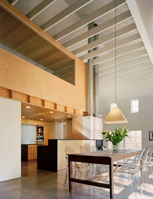 Modern Barn Modern dining room by Specht Architects Modern