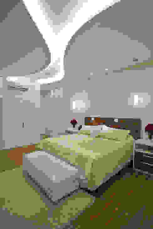 Casa Refúgio da Mata Quartos modernos por Arquiteto Aquiles Nícolas Kílaris Moderno