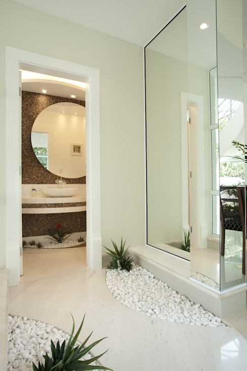 Ingresso, Corridoio & Scale in stile moderno di Arquiteto Aquiles Nícolas Kílaris Moderno