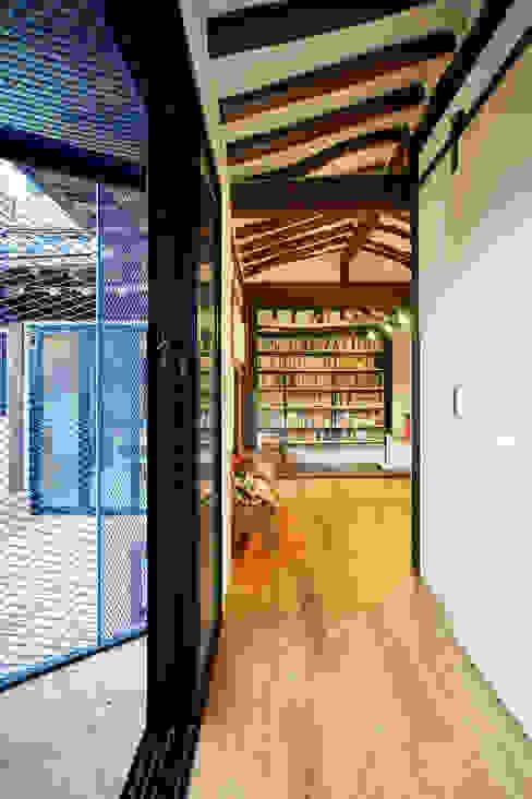 Buam-dong House JYA-RCHITECTS 아시아스타일 거실