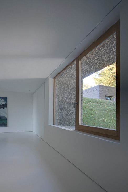 Fels am Hang Moderne Fenster & Türen von Unterlandstättner Architekten Modern
