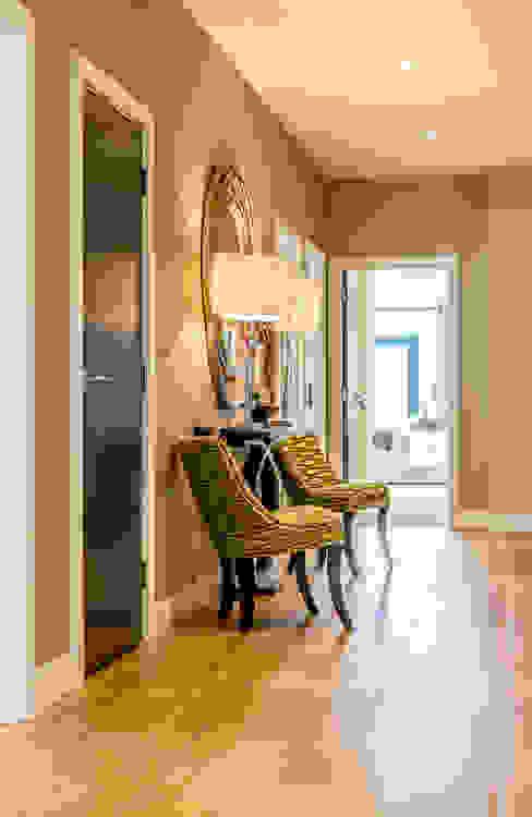 Pasillos y vestíbulos de estilo  por In:Style Direct , Moderno