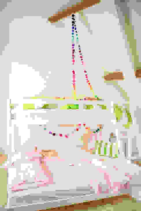 PomPom Garlands for Decoration PomPom Galore 嬰兒/兒童房裝飾品 羊毛 Multicolored