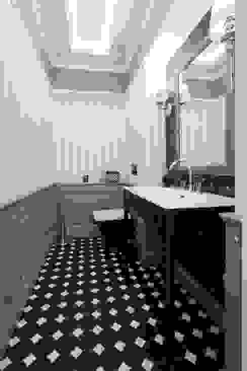 Bathroom by 3deko, Modern