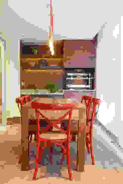 Apartamento na Pompeia, São Paulo Varandas, alpendres e terraços modernos por Liliana Zenaro Interiores Moderno