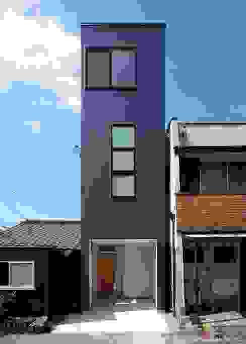Дома в стиле модерн от (株)ハウスインフォ Модерн