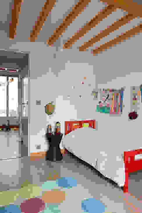 Chambre d'enfant 1 Chambre d'enfant moderne par MELANIE LALLEMAND ARCHITECTURES Moderne