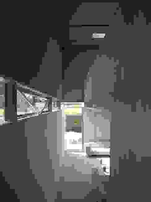 Project X Almere Moderne woonkamers van Rene van Zuuk Architekten bv Modern