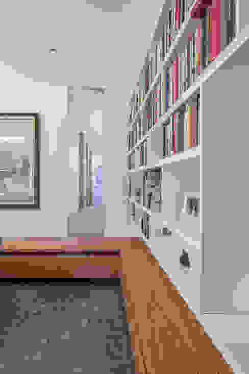 모던스타일 서재 / 사무실 by Unterlandstättner Architekten 모던