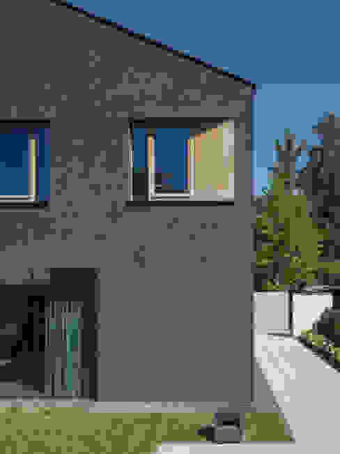 モダンな 窓&ドア の Unterlandstättner Architekten モダン