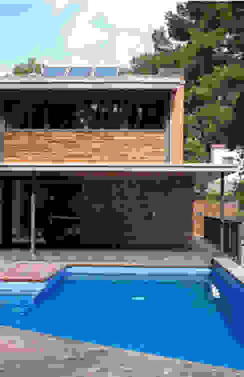 Pool by AR47 SCP, Modern